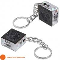 Брелок-инструмент для обработки наклейки Cue Cube